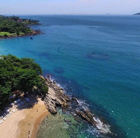 Bangalô vista incrível cond. praia Curral Ilhabela