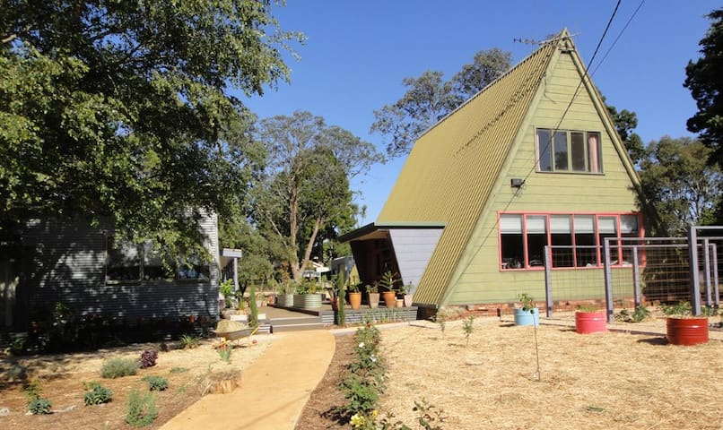 Large room in 1970s A-frame studio - Trentham