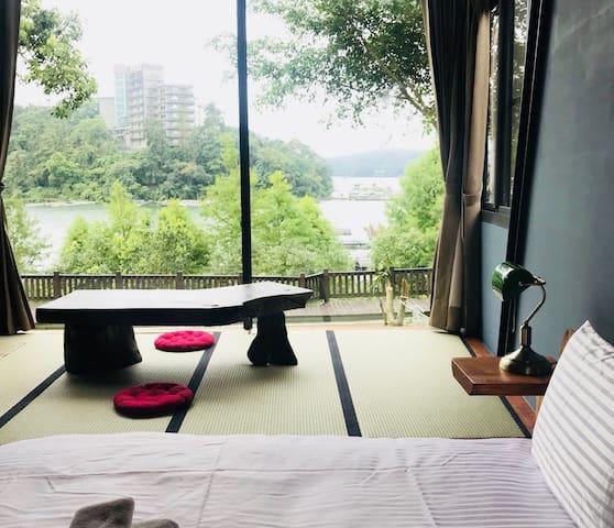 日月潭玥湖背包客讚民宿-湖景雙人房(Lake View Deluxe Double Room)