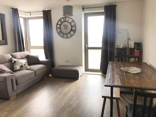 Modern one-bed apartment, excellent location