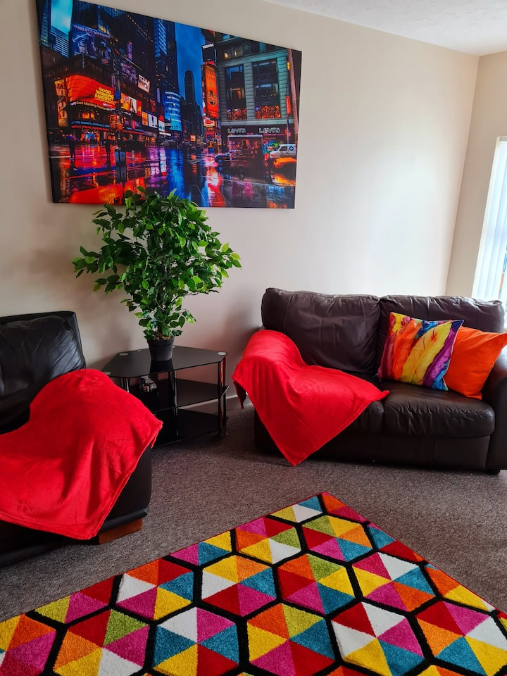 Ample Comforts, Warrington Town Centre, Smart TV, High Speed Wifi