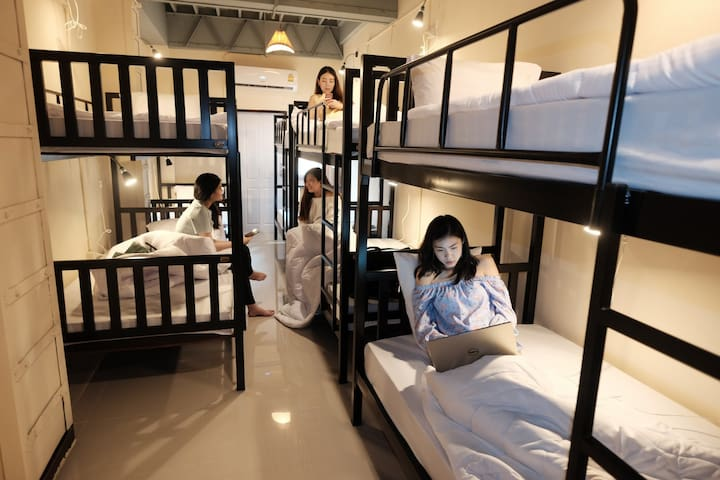 Cozy private room for group/5mins walk to Khaosan