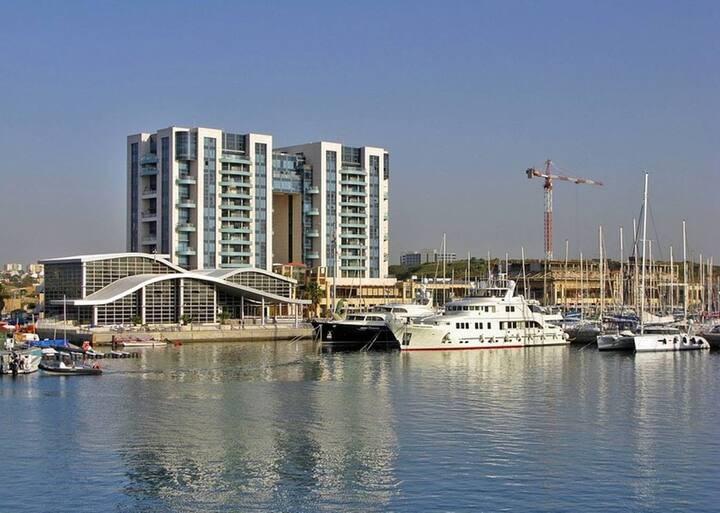 Luxury newly remodeled Condo Herzliya Towers