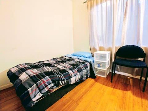 Cozy room near Lake Merritt #3