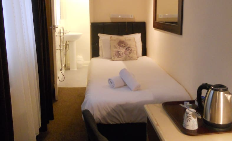 Single en suite, Heart of Brighton