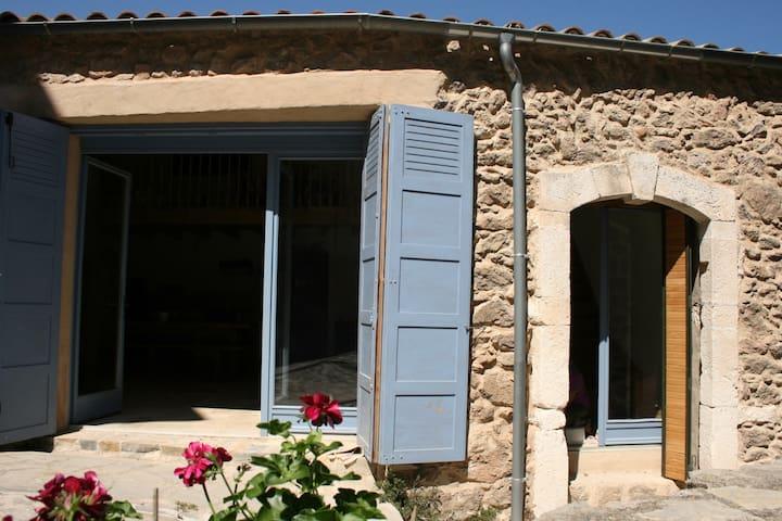 Maison en pierre entièrement rénovée - Pégairolles-de-Buèges - Casa