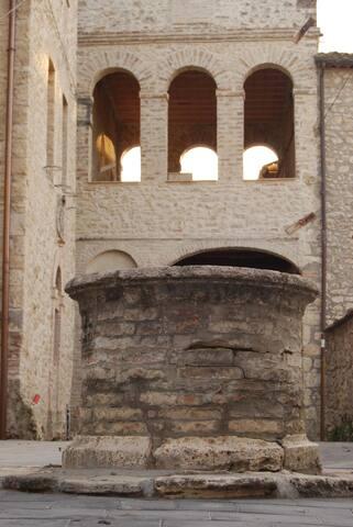 LA LOGGIA - residenza medievale