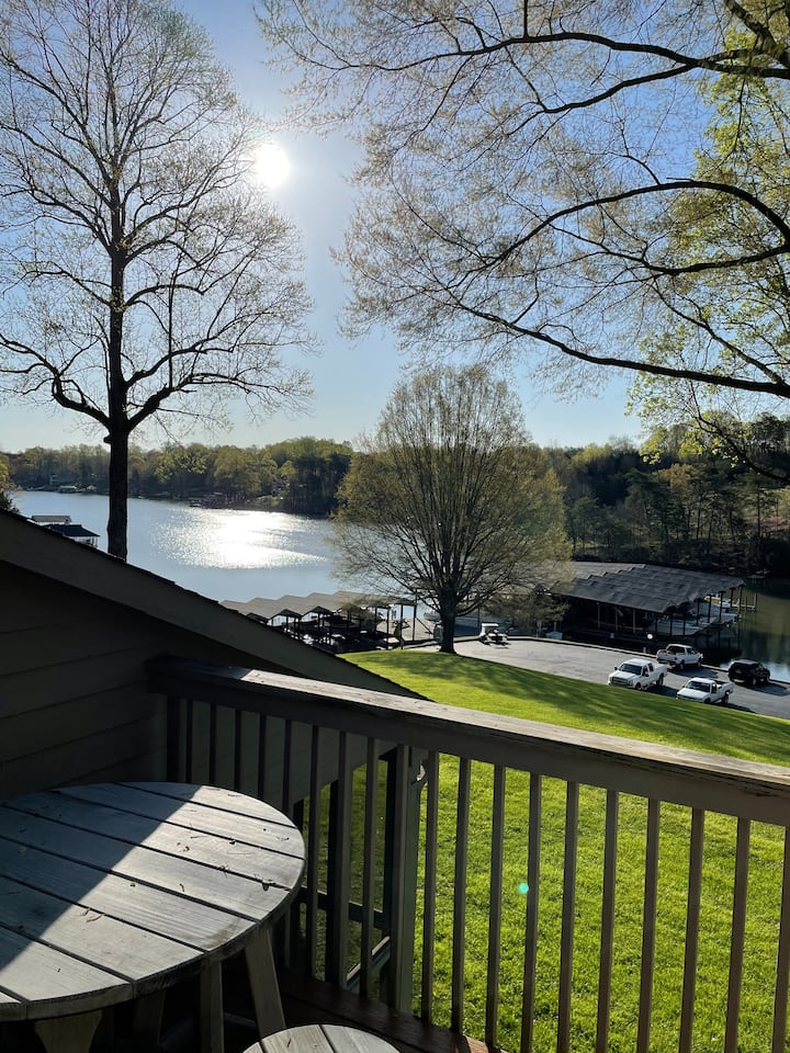 Smith mountain lake condo, water front