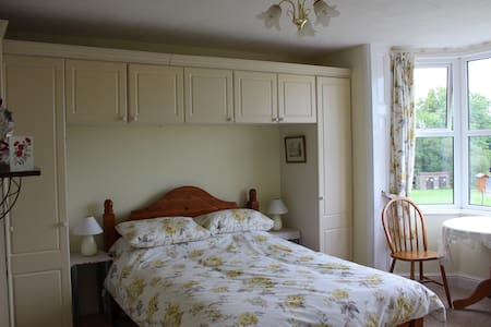 Large En Suite Room in New Forest - Casa
