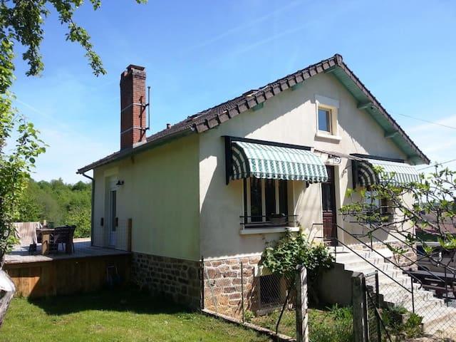 Rust, ruimte en comfort in een prachtig natuurpark - Dournazac - Maison