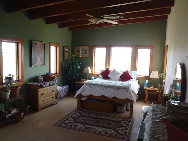 Perry Farm House ~ Beijo's Room