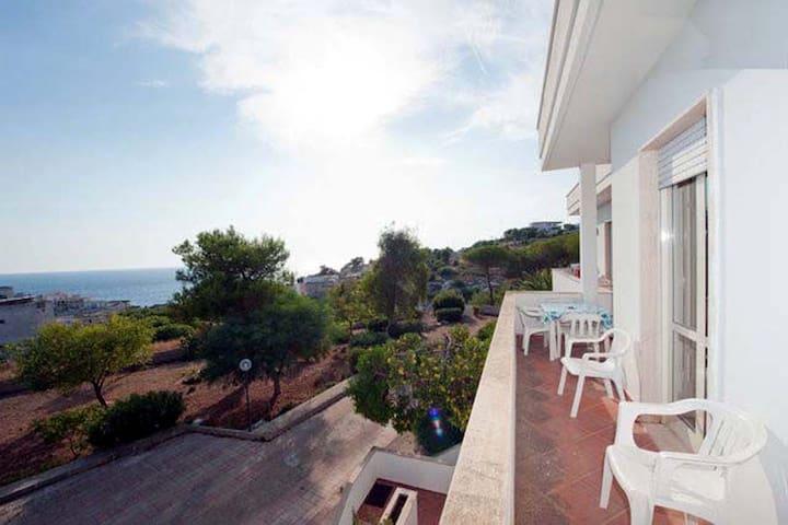 Appartamento con ampia vista mare  - Santa Maria al Bagno - Daire