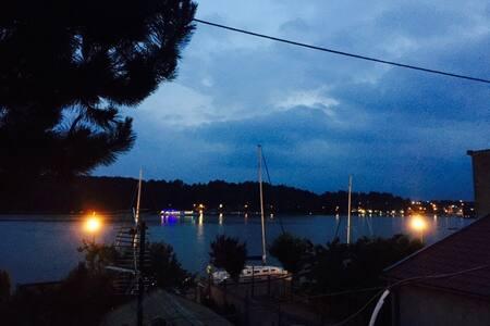 Pokój z widokiem na jezioro - Mikolajki - Byt