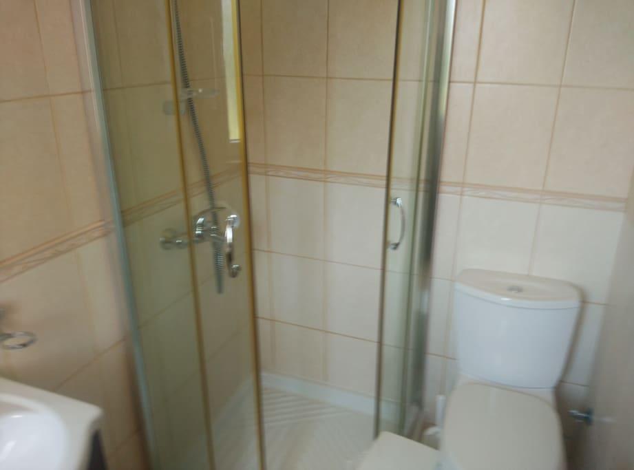 ENSUITE 3 PIECE BATHROOM