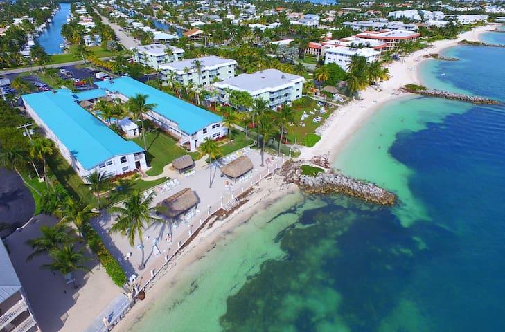 2 Bedrm Ocean Front Complex in Key Colony Sleeps 6
