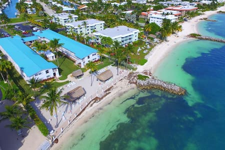 2 Bdm Condo Oceanfront Complex, Key Colony Beach