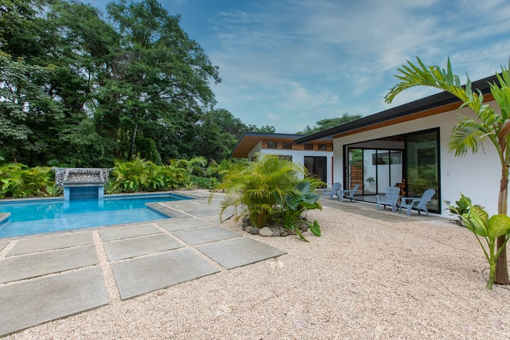 NEW! - Nosara 5bd Family Complex ! Walk to Surf!