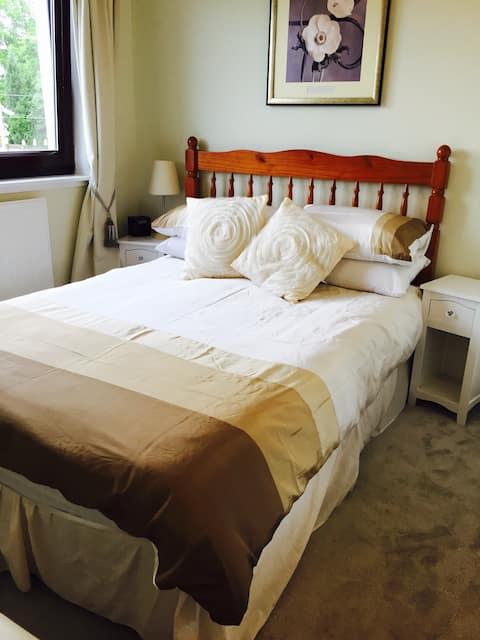 A Double Room At Lomond Villa B&B, Loch Lomond