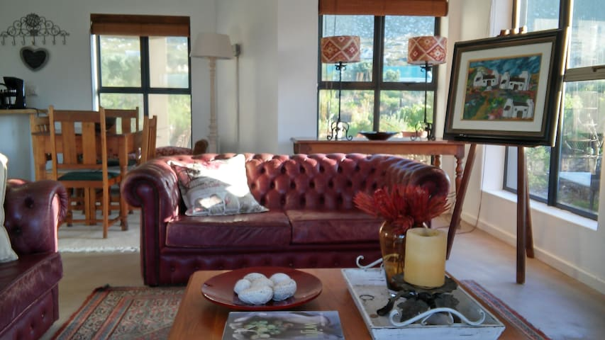 Beautiful 2 bedroom house with views - Betty's Bay
