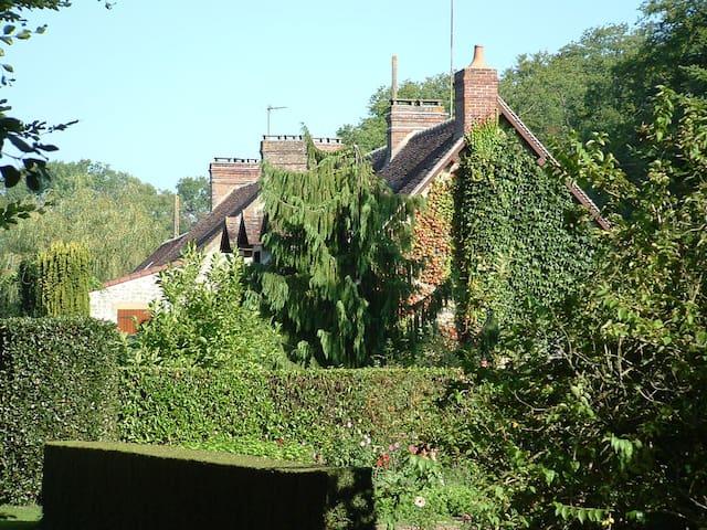 Haras du Bucher - Le Bûcher, 61310 La Cochère, France