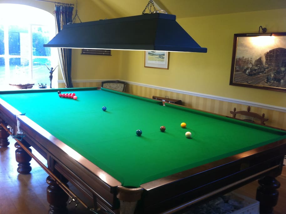 Guests may enjoy a game of snooker on the full size table/