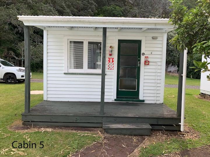 Wharekawa Lodge - Cabin 5