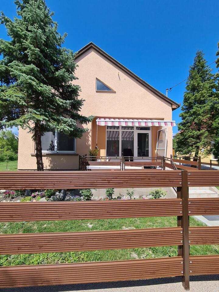 Neu renoviertes Haus in Balatonmariafürdö