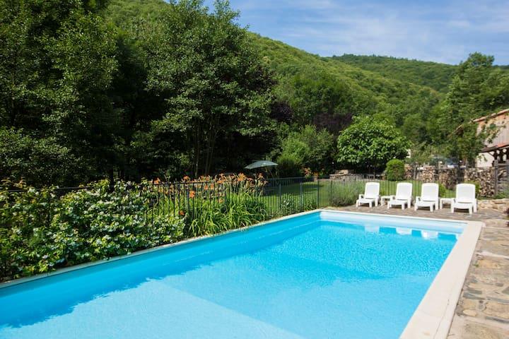 La Bergerie: luxury in the forest - Montferrer - Rumah