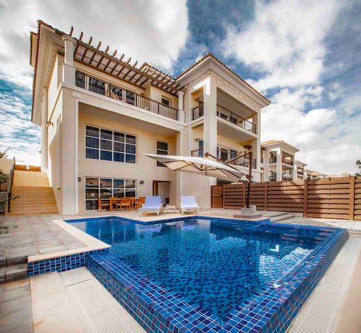 Grand  villa with private garden & pool