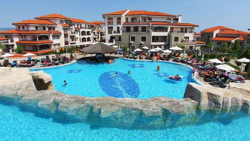 2 bedroom Apartment At 4 star Vineyards spa resort