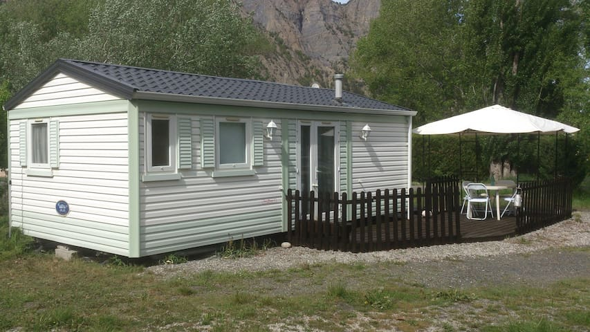 part. loue mobil-home dans camping - Rochebrune - Other