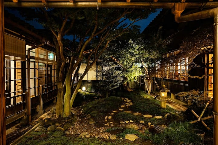 [TEMPLE HOTEL] Stay with Japanese Garden  bedroom