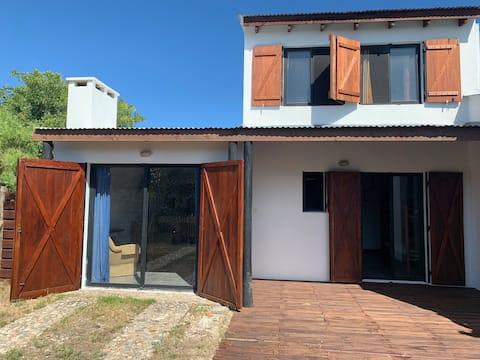Casa de veraneo céntrica con patio