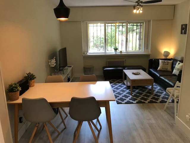CUTE 3 BETHROOMS APARTMENT CLOSE TO CITY CENTER - Madryd - Dom