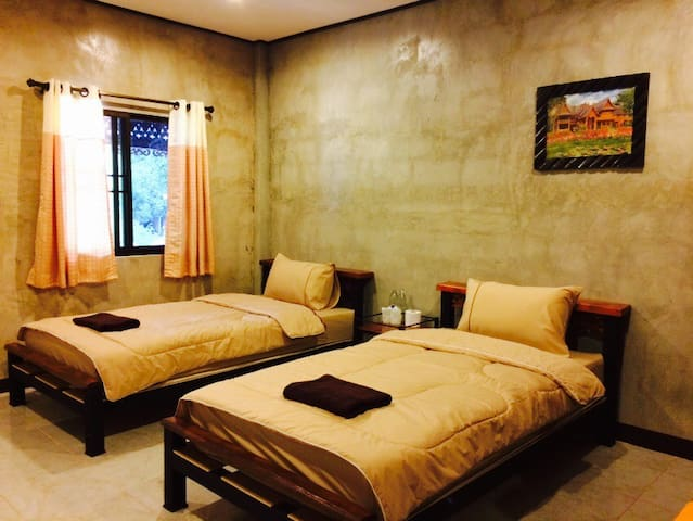 Plern Malee room 5 - for 2 ppl - mae wang  - Penzion (B&B)