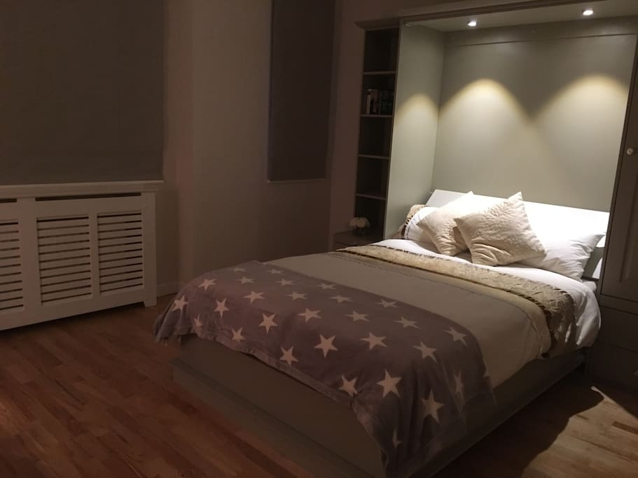 One Bedroom Apartment In Top Dublin Suburb Guest Suites For Rent In Mount Merrion County