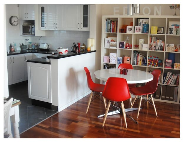 Gorgeous sunny open plan apartment - Randwick - Apartmen