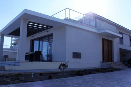 Villa for relaxed holidays - Perivolia