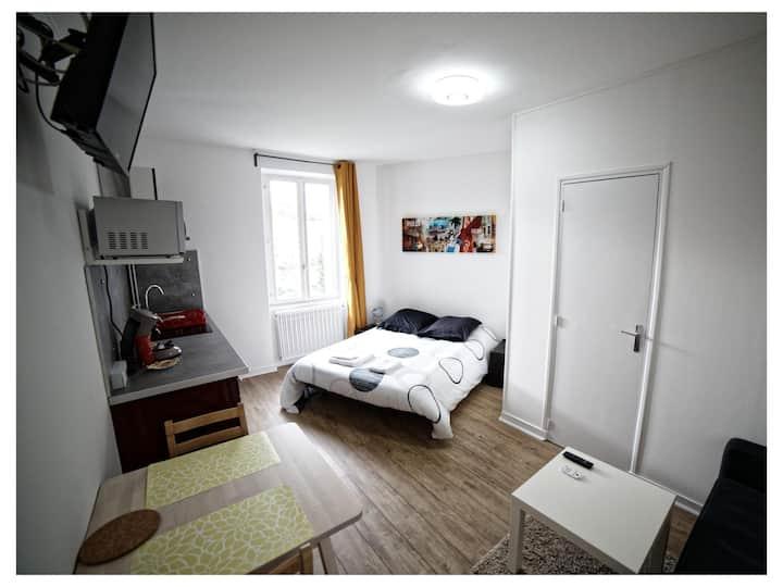 Studio with barhroom - Zen Cottage 6