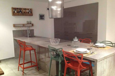 Grand appartement avec piscine privative Folelli