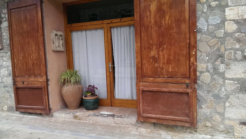 APARTAMENTO ST. LLORENÇ DE LA MUGA