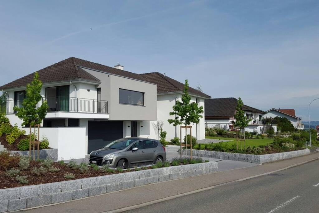 Calm location breathtaking view case in affitto a for Piani di casa sul lago per lotti ripidi