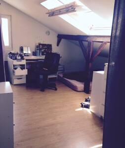 Maisons appartements et logements de vacances pour les - Salon grand voyageur gare montparnasse ...