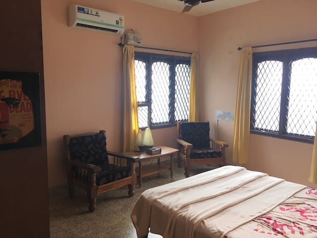 Travellers homestay in the heart of manipal room#1