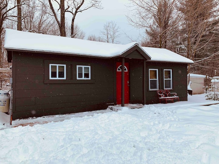 Cozy Catskill Cottage Perfect Getaway for Two