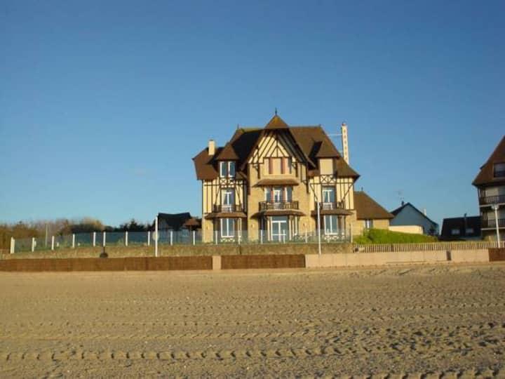 MAGNIFICIENT BEACH HOUSE DEAUVILLE