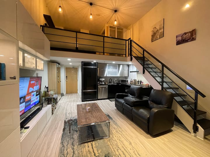 Trendy 2 storey loft downtown + 1 parking