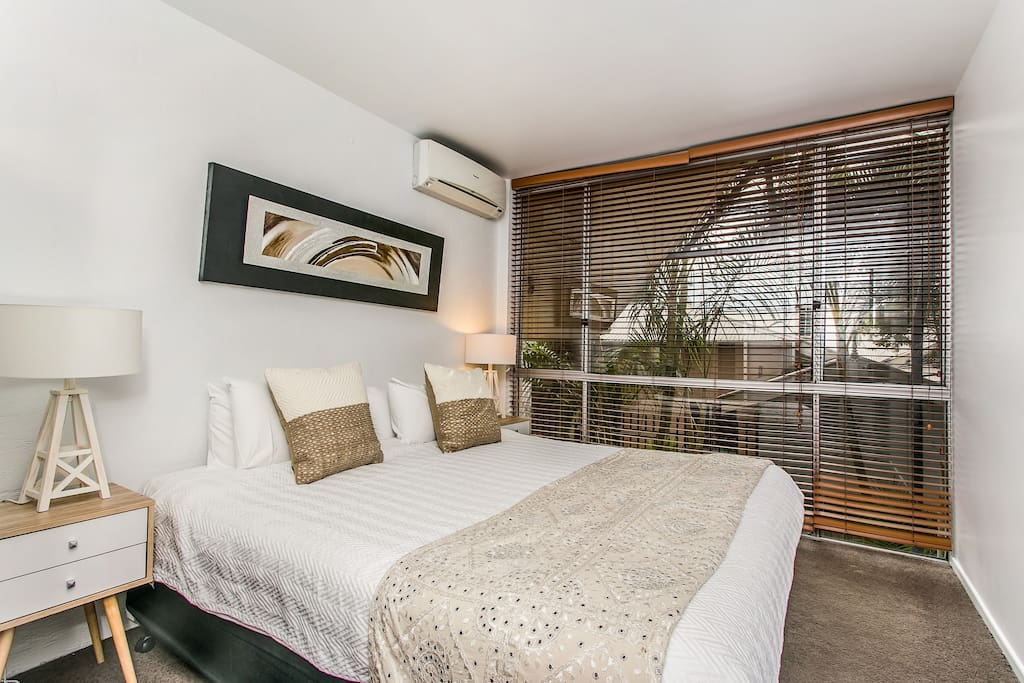 Master bedroom, Top quality bed with lovely linen.