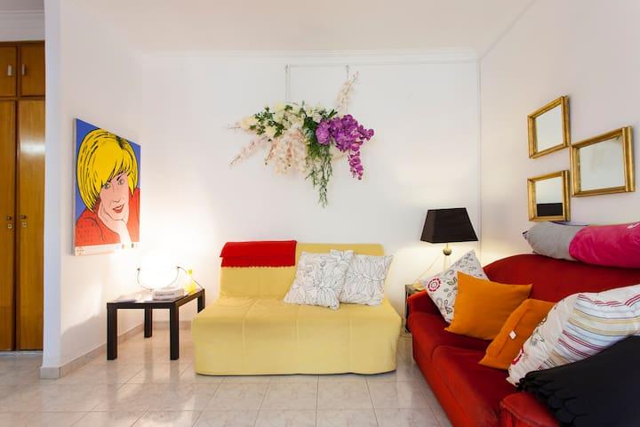 SUNNY APARTMENT NEAR THE BEACH - Costa da Caparica - Appartement