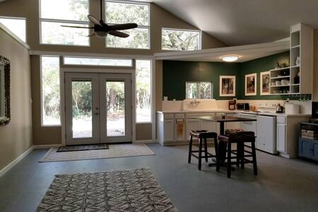 Wonderful Bungalow in the Forest. 90 Acres & Pond